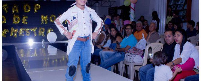 pasarela Resurgimiento 60s Fashion Kids